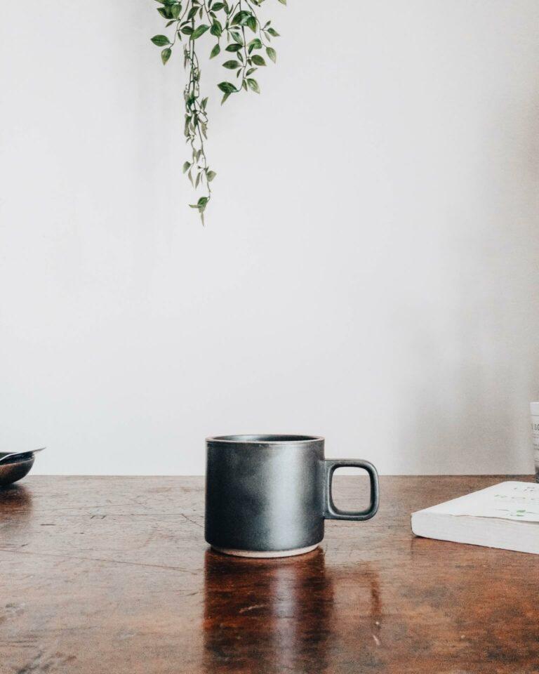 Coffee on desk for SecretarHe